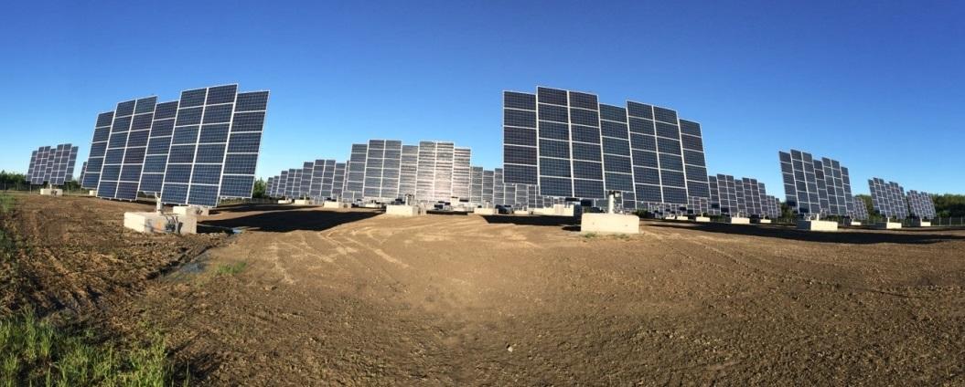 Seguidor Solar SolarGarden_DEGERtracker-D100-Ontario_Canada
